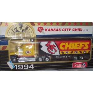 Kansas City Chiefs 1994 NFL 1/87 Diecast Tractor Trailer Ford