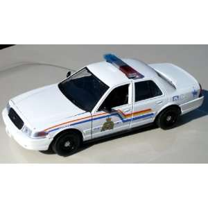 Motormax 1/24 RCMP 2007 Ford Crown Vic Toys & Games