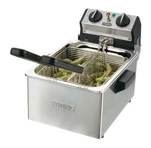 Waring WDF75RC 8.5 lb. Commercial Countertop Deep Fryer
