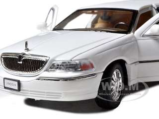 2003 LINCOLN TOWN CAR LIMOUSINE WHITE DIECAST MODEL CAR
