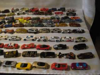 NICE HUGE LOT OF 100 HOTWHEELS & MATCHBOX CARS & TRUCKS (lot c)