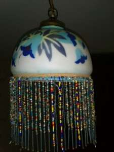 BEAUTIFUL ANTIQUE ART DECO OPALINE CEILING LIGHT SHADE COMPLETE WITH